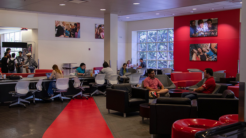 Students studying in the Nebraska Union